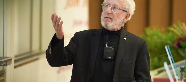 Le Prix Nobel Alan J. Heeger récompensé à Fribourg