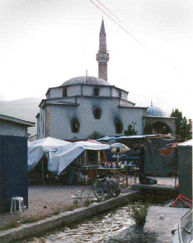 Première intervention en zone de guerre: Mosquée Bajrakli, Peć/Peja, Kosovo