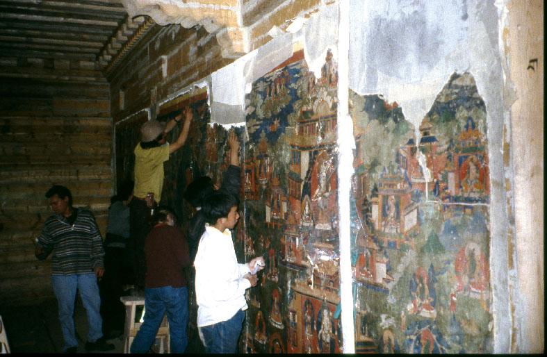 Conservation et restauration de peintures murales, Dêgê, Tibet.(Myanmar)