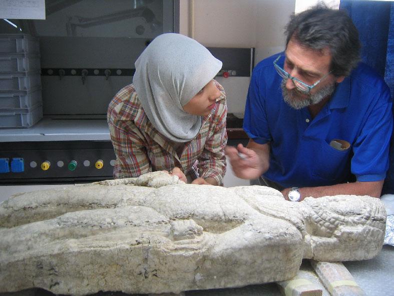 Laboratoire de restauration près du Musée de Bagdad, Irak