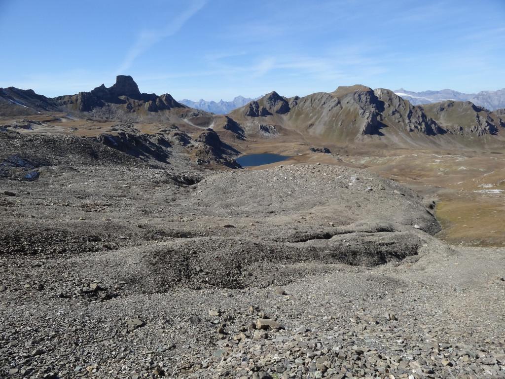 Blick auf den Blockgletscher «Becs-de-Bosson» und den Bergsee «Le Louché» im Haut Val de Réchy (VS)