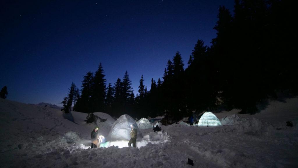 La nuit tombe sur Bettmeralp, le mercure également. Il fera presque -10°C la nuit.
