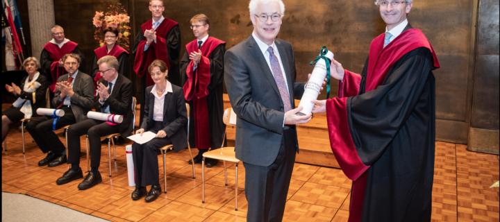Des docteurs honoris causa aux anges