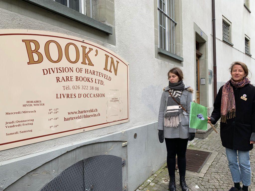 Gute Bücher für wenig Geld gibt es im Book' In, Rue des Alpes 6.