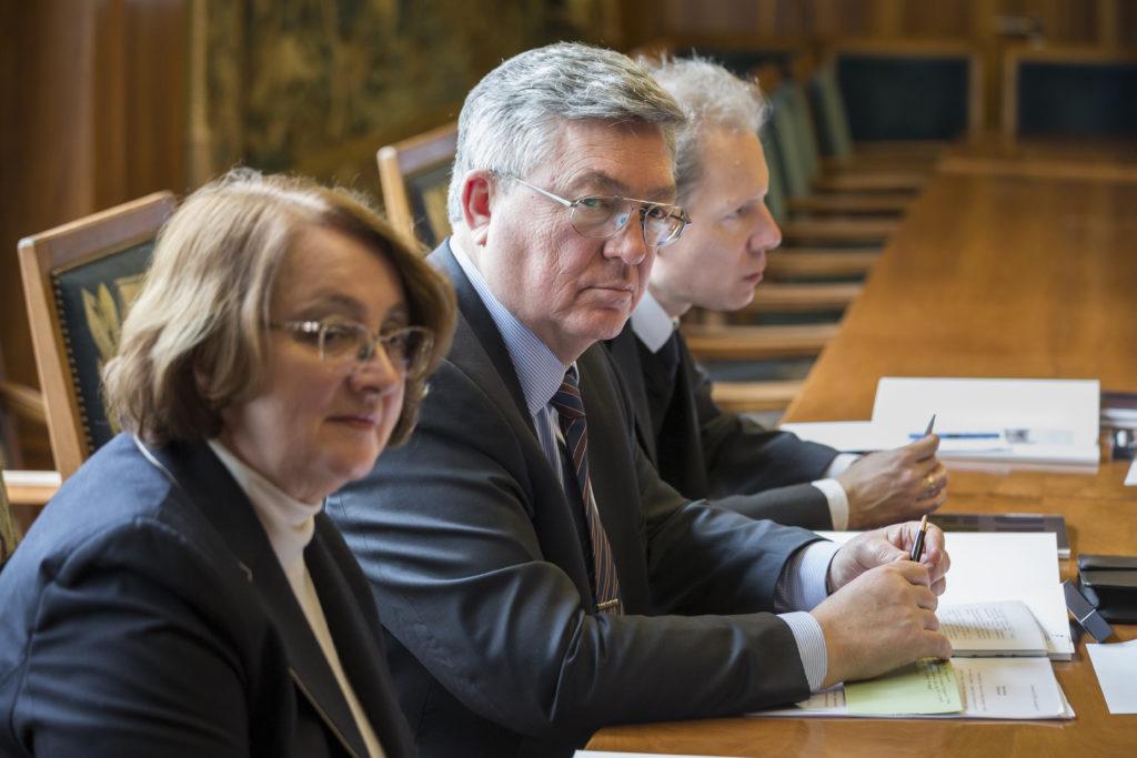 Visite de Son Excellence Monsieur Sergueï Victorovitch Garmonine, ambassadeur russe à l'Université de Fribourg.