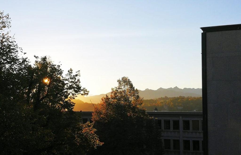 Joli lever de soleil pour mes collègues de BLL-MIS!