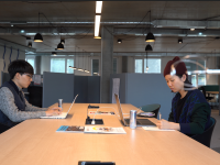 Un espace de co-working ausculté par des étudiants suisses et coréens