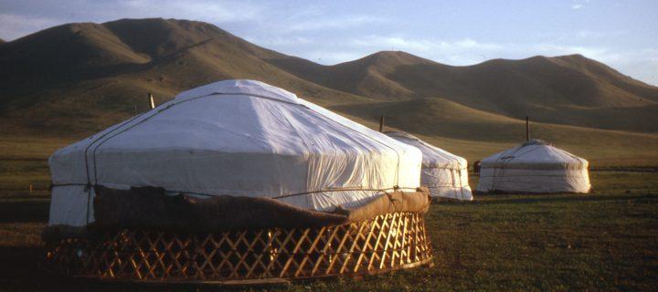 De Paris aux steppes de Mongolie.