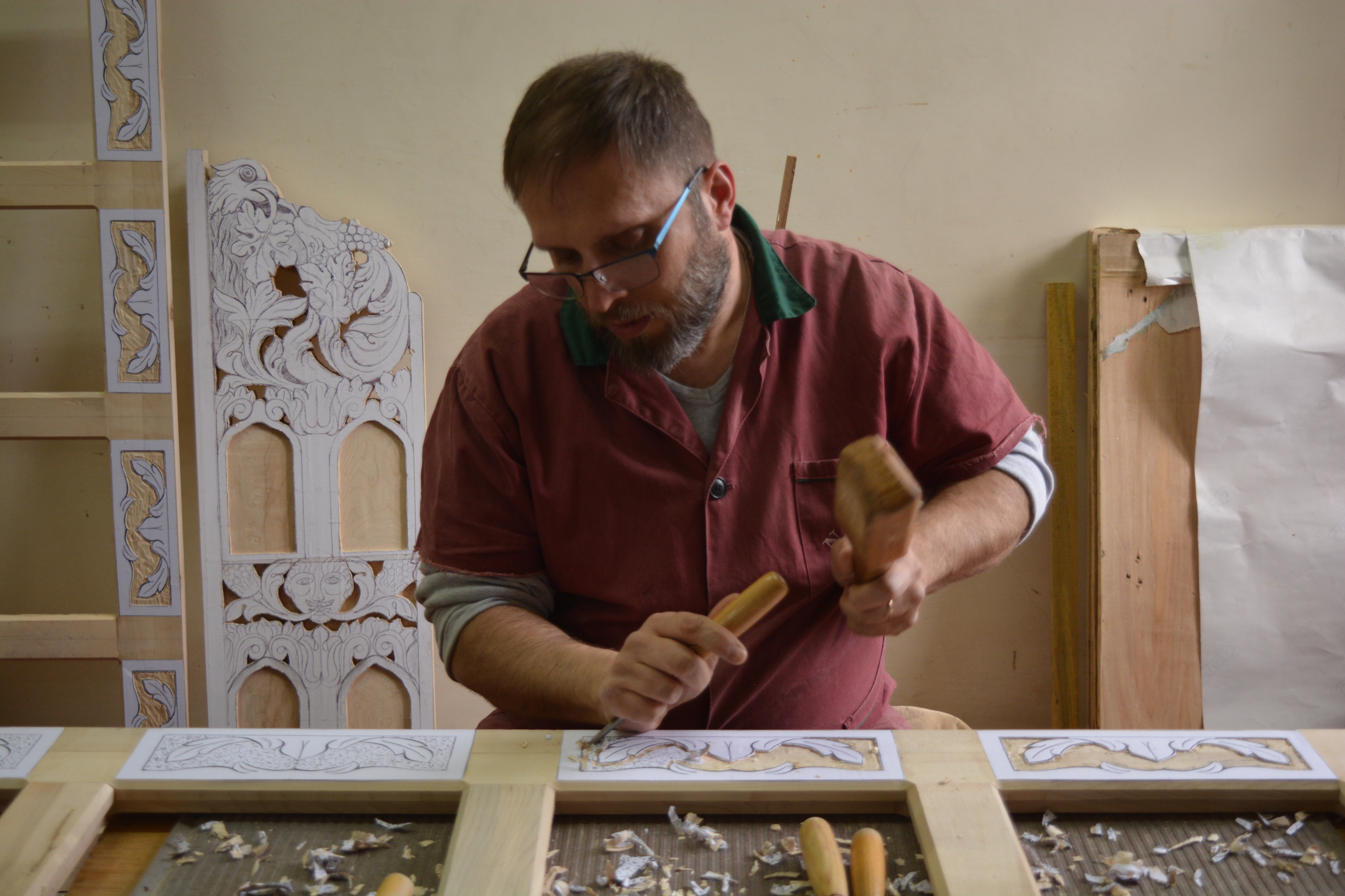 Woodcarving for frames of iconostases